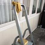 Foto: trapje, zeem, trekker en spons voor gelapte ramen
